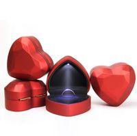 kalp lambalarını seviyorum toptan satış-LED Lamba Mücevher Kutusu Yüzük / Kolye Durumda Tutucu En Kaliteli Lüks Klasik Zarif Stil Kalp Yüzük Tutucu Eşi Için Aşk