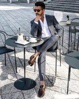 mens grau stück anzüge groihandel-2 Stücke Sommer Grau Hochzeit Smoking Revers Ausgezeichnete Bräutigam Smoking Nach Maß formale herren Anzüge (jacke + Pants)