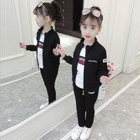 ingrosso ragazza della corea impostata-Set di vestiti per ragazze Corea Autunno Abbigliamento per bambini Tre pezzi Giacca Cappotto Pantaloni e maglietta Abito adatto per bambina 3-13 anni