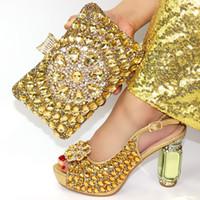ботинки сочетаются с муфтами оптовых-Золото rhinesones высокий каблук 4 дюйма сандалии обувь с соответствующими клатчи сумка для африканских aso ebi big party SB8427-2