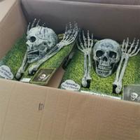 cabeça de cabeça de esqueleto venda por atacado-Halloween Horror Skeleton Decorações de Halloween Buried Alive assustador Crânio principal Mão Squelette Jardim Decoração da jarda do gramado para o partido