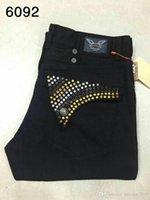 siyah üst beyaz pantolon toptan satış-Toptan Erkekler Biker Jeans Beyaz Mavi Kırmızı Siyah Rhinestone Jeans Erkek Casual Pantolon Robin Denim Jeans Kızarmış Kar Jean Kovboy Pantolon