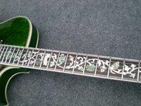 guitare électrique corps creux vert achat en gros de-Nouvelle Arrivée Top Qualité Custom Shop Tiger Flame Maple Modèle 335 avec Tremolo vert Jazz Guitare Électrique Semi Creux Corps Livraison Gratuite