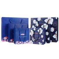 şeker poşetleri toptan satış-Toptan Pembe Çiçek Kağıt Torbalar Düğün Şeker Kutuları Şekeri El Çantaları Makyaj Parti Hediye Çanta ile kolları Parti Malzemeleri çanta