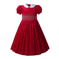vestidos cortos para el cumpleaños al por mayor-Pettigirl Red Smocked Vestidos de fiesta para cumpleaños para niñas Manga corta Hand Smocking Ropa para bebés de Pascua Niños Vestidos para niñas G-DMGD108-B407