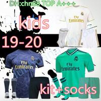 kits juveniles al por mayor-2019 2020 Real Madrid jersey de fútbol de los niños completa juegos de piezas de Jóvenes y Niños 19 20 casa camiseta de fútbol Camisetas de futbol JAMES BALA Con Calcetines