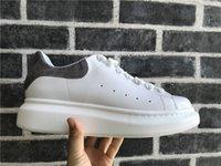 ingrosso calzature in pelle scamosciata designer-Scarpe casual da donna Moda Scarpe da ginnastica di lusso di moda Scarpe da passeggio con lacci economici Migliori scarpe da ginnastica in pelle scamosciata grigie