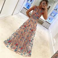 bestickte mesh-hochzeitskleid großhandel-Kleid der Qualitäts-Frauen neues Ineinander greifen-Brautjunfer-Kleid-Kleidungs-Art- und Weiseblumen-gesticktes Kleid für Hochzeitsfest