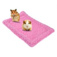 hamster yuvası toptan satış-alışveriş merkezi Hayvanlar kafeslere 1pc Küçük Hayvan Kobay Hamster Yatak Ev Kış Sincap Kirpi tavşan Yatak Yastık mat Ev Nest Hamster Acc Isınma ...