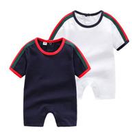 bebek çocuk giysileri romper beyaz toptan satış-Tasarımcı Bebek Tulum beyaz mavi 2 renk Çocuklar Moda O-Boyun Kısa Kollu Tulumlar 0-24 M Bebek Pamuk Romper Erkek Giyim