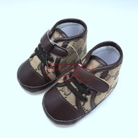 en sevimli erkekler toptan satış-Satılık bebek Boys Tasarımcı Ayakkabı Sevimli Mocasins Unisex Bebek Bebekler için Ilk Yürüyüşe Tasarımcı Ayakkabı Yenidoğan Hediye fikirleri Toptan