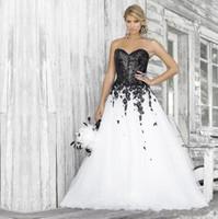 ilusion escote botones marfil al por mayor-Diseños en blanco y negro vestidos de novia cariño escote apliques de encaje con lentejuelas moda vestidos de novia por encargo Size2019