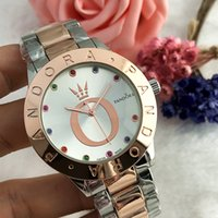 pandas de diamante al por mayor-Reloj deportivo de moda para hombre Reloj de cuarzo de moda para hombre Pando color de moda grabado con diamante