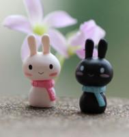 coelho lenço preto venda por atacado-Acessórios Paisagem Micro livre New Scarf Amante do coelho branco preto do coelho Tuzki Páscoa boneca ornamento Bonsai Artesanato Decoração DIY