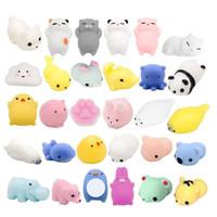 dota oyuncakları toptan satış-30 ADET Mini Hayvan Stres Giderici Hayvan Oyuncaklar Mochi Sıkmak Oyuncaklar Mini Mühür Ayı Kedi Kaplan Domuz Gülümseme Bulut Squishies Rastgele renk