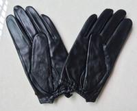 ingrosso guanti rivetti in pelle-Guanti marchio di moda autentiche di lusso in pelle di moda originale peluche calda pelle di pecora guanti sexy carina dito Mezza catena rivetto di boxe