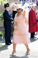 teelänge kleider für mutter großhandel-Rosa Abendkleider in Übergröße mit langen Ärmeln Vintage-Spitze Celebrity Dresses Tee Länge Zwei müde Mutter der Braut Kleider