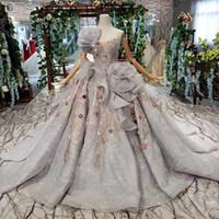büyük çiçek balo elbiseleri toptan satış-2019 Son Bohemian Quinceanera Elbise Kolsuz Straplez Boyun Backless Lace Up Geri Büyük 3D Dantel Çiçek Lüks Aplike Desen Balo Abiye