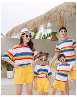 aile kıyafeti gömlek toptan satış-2019 Yeni varış Aile Eşleştirme Kıyafetler yaz t shirt Rahat Renkli ve Sarı