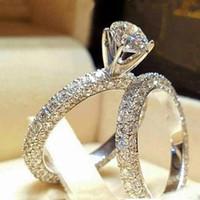 anel de ouro 2pcs venda por atacado-Nova Cor de Ouro Branco Claro Branco Zircão Conjuntos de Anel de Noivado Para As Mulheres Moda Gemstone Cristal 2 Pçs / set Anéis De Casamento Bague SJ