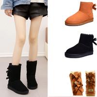 erkekler süet deri çizmeler toptan satış-UGG Mini Womens Klasik ayak bileği Çizme ERKEKLER IÇIN Moda Hakiki Süet Deri Avustralya Klasik Sıcak YÜRÜYEN Ayakkabı Kadın erkek açık tasarımcı ayakkabı