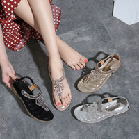 2019 Summer New Style T Shape Leaf Man made Diamond Beaded Bracelet Sandals Split Toe Slanted Heel Flat Top Shoes Women s