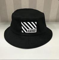 chapeau d'été à bords blancs achat en gros de-2019 nouveau blanc voyage pêcheur loisirs seau chapeaux couleur unie de la mode hommes femmes flat top large bord été chapeau melon