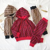 iki erkek kız bebek toptan satış-2019 Çocuklar Giysi Tasarımcısı Erkek Çocuk Uzun Kollu Hoodie ve Pantolon Iki Parçalı Set FF Çocuklar Pamuk Spor Takım Elbise erkek Bebek Kız sonbahar