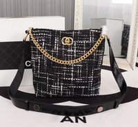Wholesale full package product online - Autumn and winter new products One shoulder Crossbody Bucket bag Retro design Dinner Cosmetic bag Designer Luxury brand Full package
