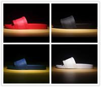 фирменные мужские сандалии оптовых-с коробкой горячего бренда Мужчины Пляж Slide Sandals Medusa потертостей +2017 Мужские тапочки белый пляж моды скольжения на дизайнерские сандалии US 7-12