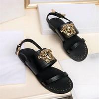 sandalias de adorno al por mayor-Mujeres de cuero genuino marca sandalias moda retrato ornamento ajustable señora zapatillas al aire libre estilo de la calle niñas moda flip-flop