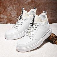 botas de tornozelo branco homens venda por atacado-Sapatos de Inverno dos homens de Pelúcia quente Curto Botas de Tornozelo Ankle Inferior À Prova D 'Água Macio Confortável Clássico Sapatilhas Brancas Pretas