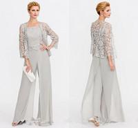 casacos para vestidos de noiva venda por atacado-Os mais recentes Mãe de cinza de vestidos de noiva duas peças Casacos Lace Mães Vestidos para eventos de casamento terno de calças Vestido de Noite BC005