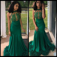 Wholesale long prom dresses feathers resale online - 2020 Green Prom Dresses Long Mermaid Feathers Lace Appliques Jewel Neck Sexy Backless Formal Evening Dress Party Gowns