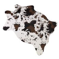 ingrosso tappeti tessili-Tappeto di mucca Tappeto di stampa Faux Pelle bovina Motivo a animali Tappeto per bagno Sala da lavoro Pelli Zerbino Tessili per la casa Nero Bianco