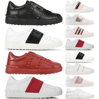 zapatos de plataforma con tachuelas negras al por mayor-2020 Designer Mens Women Shoe white leather Studded Spikes casual girl black gold red zapatillas de deporte planas cómodas Plataforma tamaño 35-46