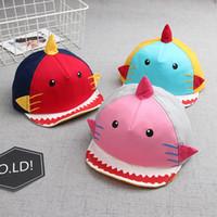 casquettes de baseball pour bébés achat en gros de-Les enfants en forme de requin casquette de baseball infantile Toddler bande dessinée chapeau garçon fille coton a atteint un sommet Caps pour 12-36 mois bébé LJJR845