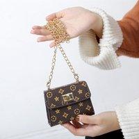 çocuklar kız tasarımcısı çanta toptan satış-Çocuklar tasarımcı çanta baskı Tasarımcısı Mini Çanta Omuz Çantaları bebek Genç çocuk Kız PU Messenger altın zincir Çanta Noel hediyesi