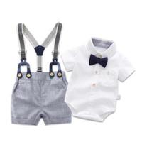 bebek erkek giyim toptan satış-Yenidoğan Erkek Bebek Yaz Resmi Giysi Set Yay Düğün Doğum Günü Boys Genel Suit Beyaz Romper Gömlek Toddler Beyefendi Kıyafet