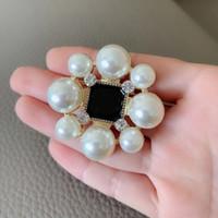 ingrosso abbigliamento donna america-classico stile C 5CM Grandi e piccoli spilla di perle Moda Fiore Blossom Accessori Europa e in America la raccolta signore pin badge vestiti