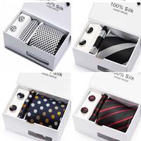 mens siyah kol düğmeleri toptan satış-Erkek Kravat Siyah Katı 100% Ipek Klasik Kravat + Hanky + Kol Düğmeleri Erkekler Örgün Düğün Için Set 2 adet / grup toptan grup kravat