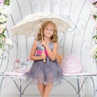 paraguas vintage al por mayor-Paraguas del cordón de la vendimia para la decoración de la boda paraguas fiesta nupcial hechos a mano sombrillas de boda blanco negro beige bordear encaje parasol