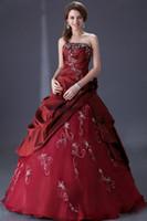 ingrosso abito bordeaux taffettà-Abiti da sposa rosso scuro in taffettà vintage ricamo perline donne Borgogna non bianco abiti da sposa con couture colore su misura
