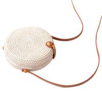 sacolas artesanais brancas venda por atacado-Rattan Woven Bag Bag envoltório rodada pacote, departamento de arte clássica, Handmade branco Mini tecido alça de ombro Pu (branco)