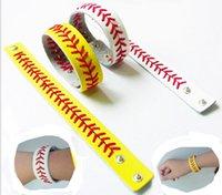 leder spitzen armbänder großhandel-Softball Baseball Sport Armband Sport Leder Armband Genähtes Lederarmband Athletics Classic Herringbone Softball Armband