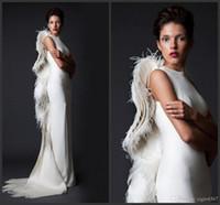 ingrosso vestito di promenade dell'avorio dell'avorio-2019 New Sexy Avorio Piuma Donne Abiti da cerimonia formale Guaina Increspature Satin Abiti da Spettacolo Arabi Abiti da sera Lunghi Prom Occasioni