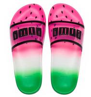 planos anchos para mujer al por mayor-2019 Zapatillas para mujer diseñador sandalias de lujo diapositiva de la manera verano plano ancho resbaladizas sandalias de la muchacha tirón del deslizador de tamaño 36-40 Flop