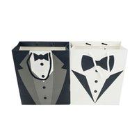 ingrosso borse per feste di compleanno-Regalo Groomsmen Wedding Tuxedo Tote Bags nero dello smoking dello sposo Paper Bag Matrimonio festa di compleanno Borse Favor