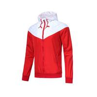 jaquetas à prova d'água venda por atacado-Homens Casual Jacket Patchwork Blusão Casual Brasão zíper impermeável executando jaquetas designer Outwear vermelhos para homens