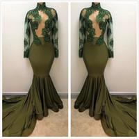4cbc5cb8b63b 2018 verde scuro puro collo alto in raso abiti da ballo lunghi in rilievo  con perline cristalli sweep treno abiti da sera vestidos party dress